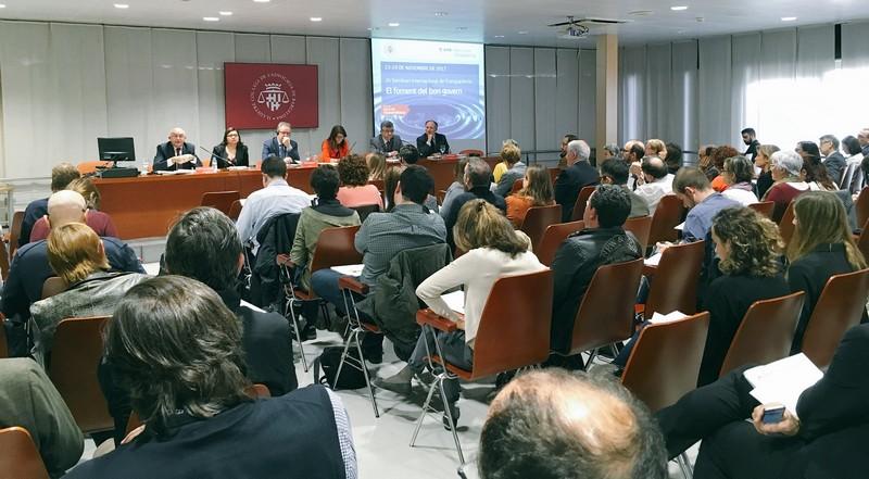 23 de noviembre de 2017. La Agencia Valenciana Antifrau va intervindre al II Semanari internacional de Transparència: El foment del bon govern organitzat per la Agencial de Transparència del Àrea Metropolitana de Barcelona.